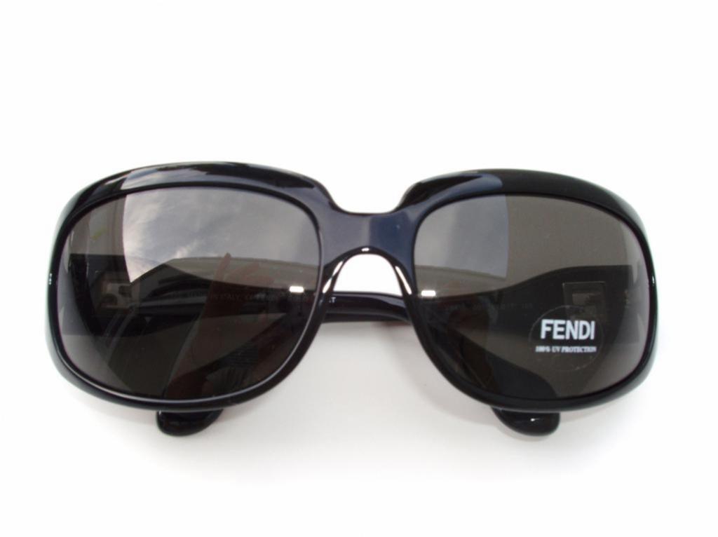 FENDI 410 001
